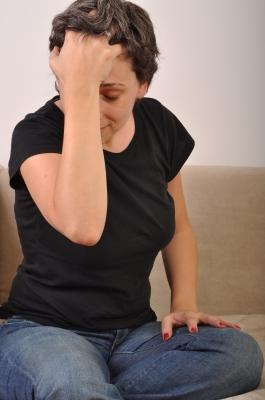 お酒を飲んだ時の頭痛の4つの治し方!対処方法を …